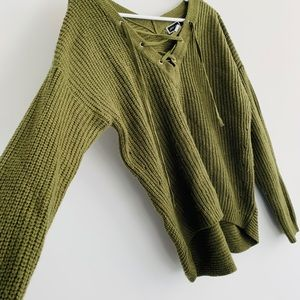 Olive green very warm knitted sweater. Medium